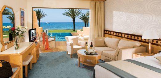 Athena-beach-junior-suite-pool