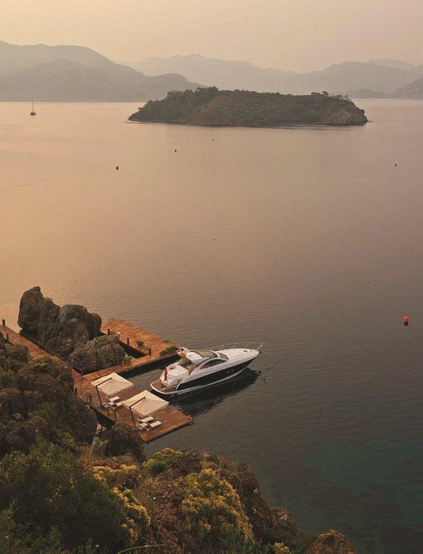D-Hotel Maris boat hire