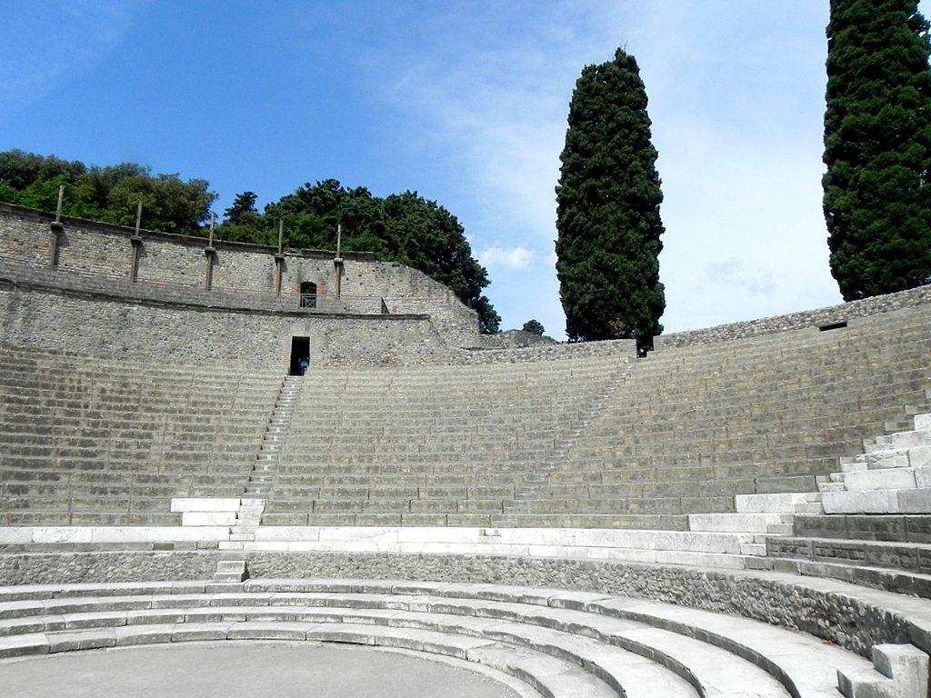 Grand Theatre cavea, Pompei