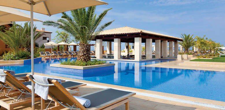Romanos Resort