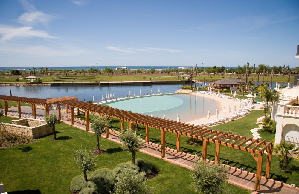 Swimming Pool, Lake Spa resort