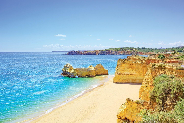 Portugal_dreamstime_praia da rocha, algarve-medium