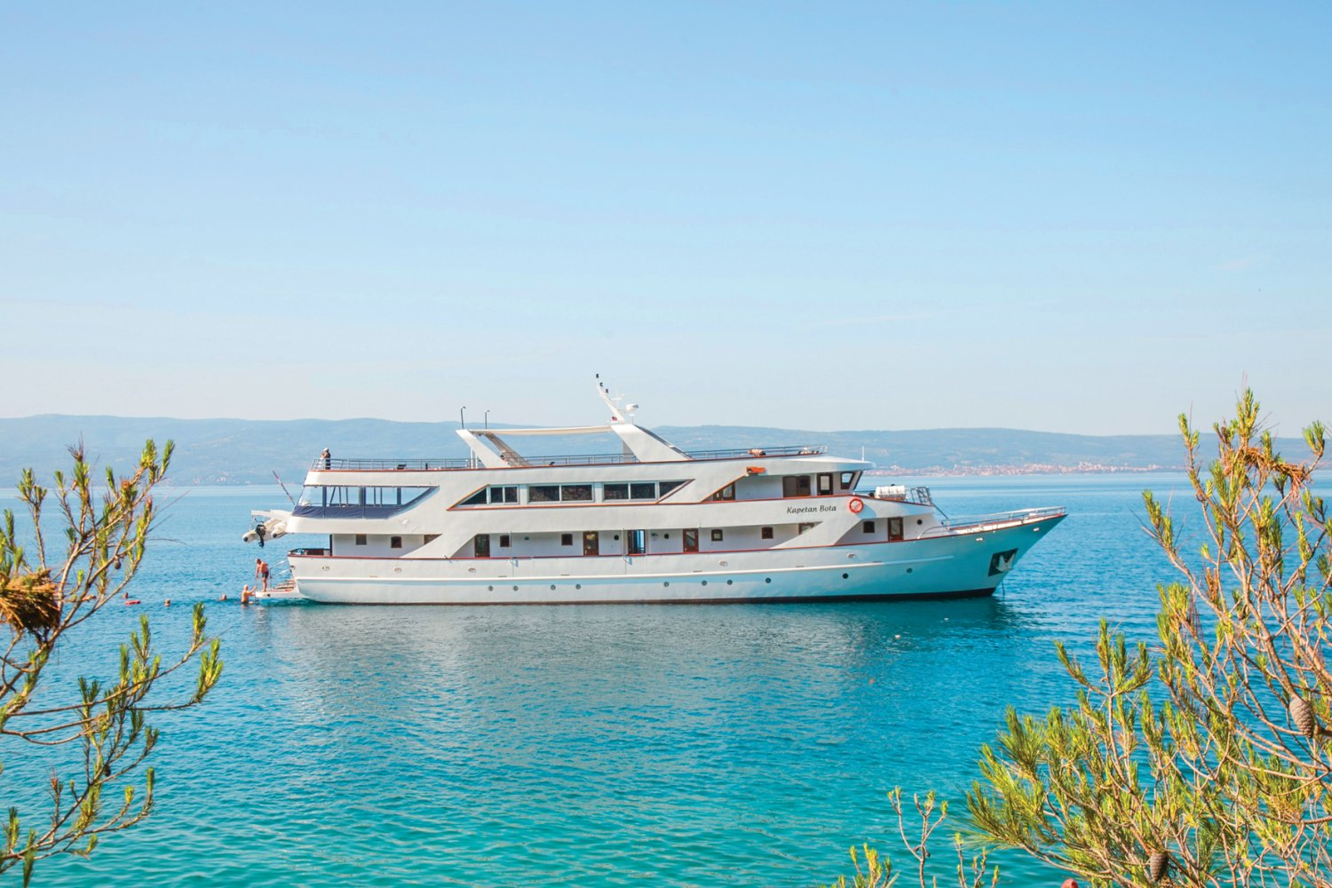 MS Captain Bota, Croatian island hopping