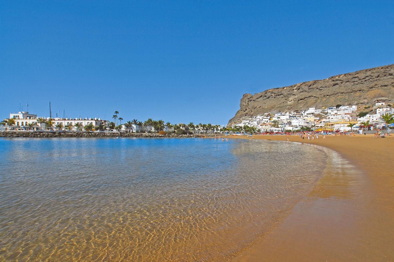beach puerto de mogan, gran canaria