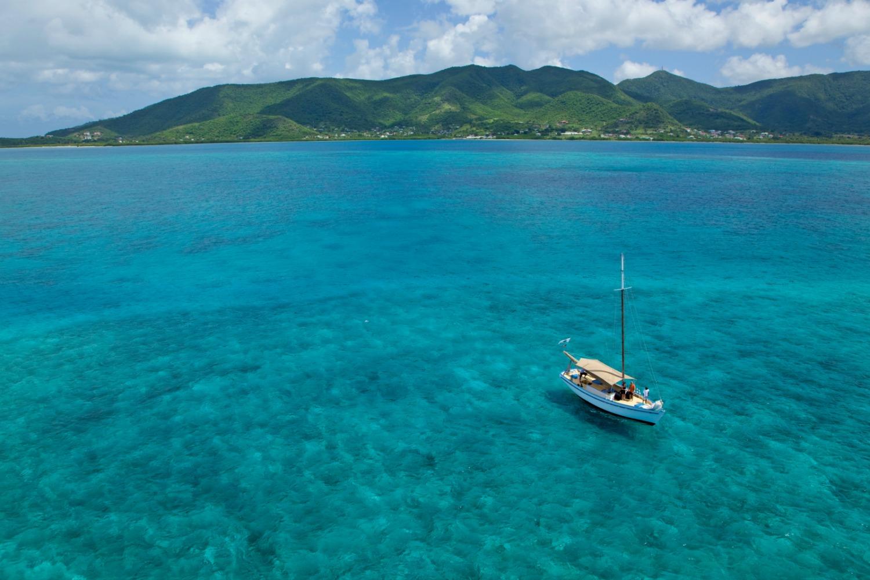 Clear seas of Antigua