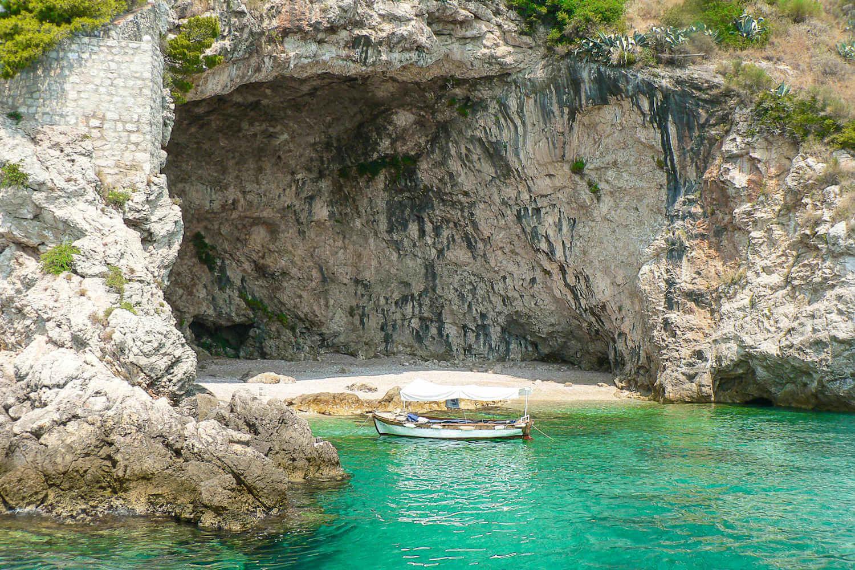 Betina Cave