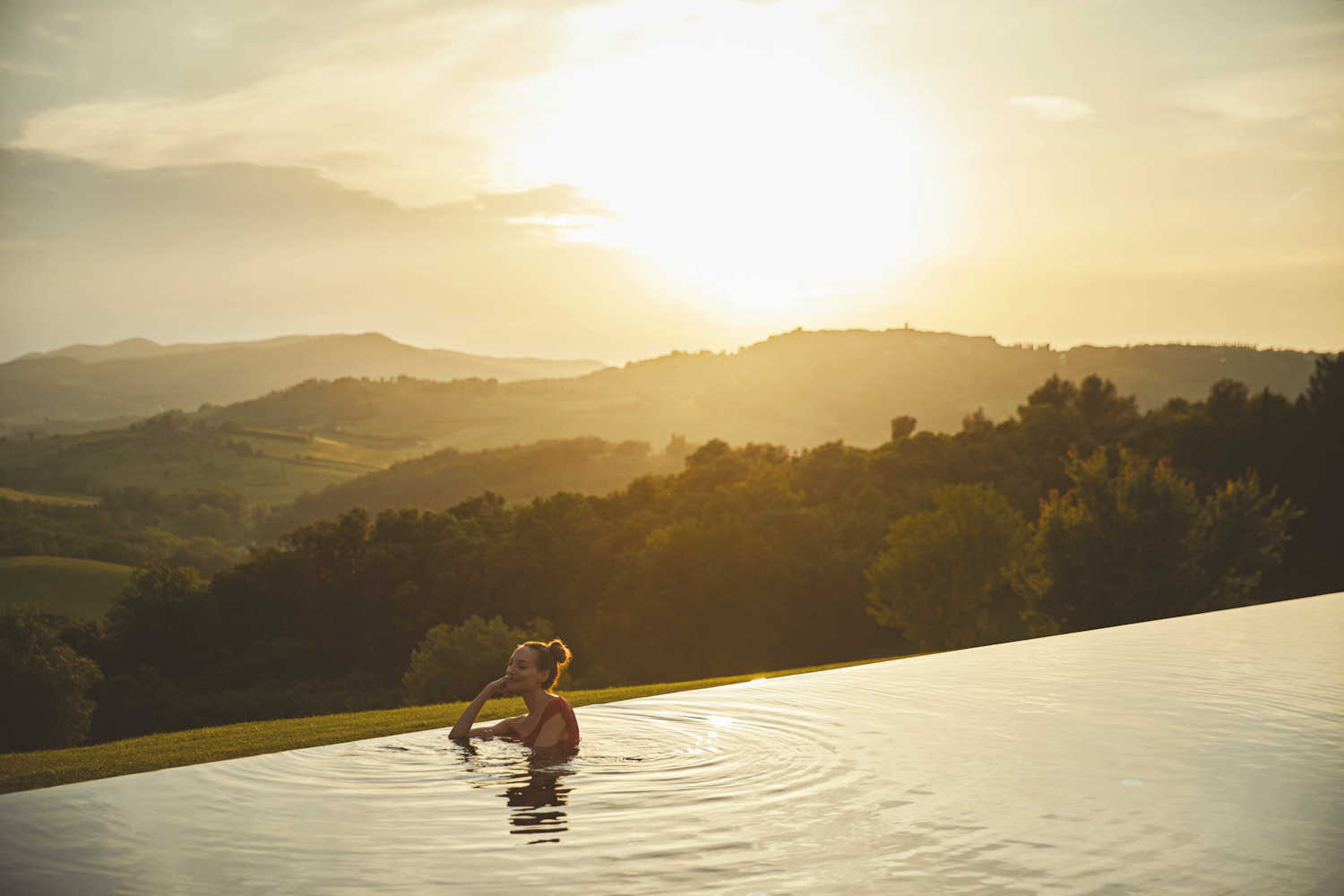 hotels with infintiy pools, belmond castello di casole