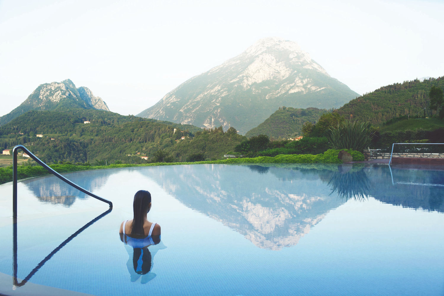 lefay resort infinity pool