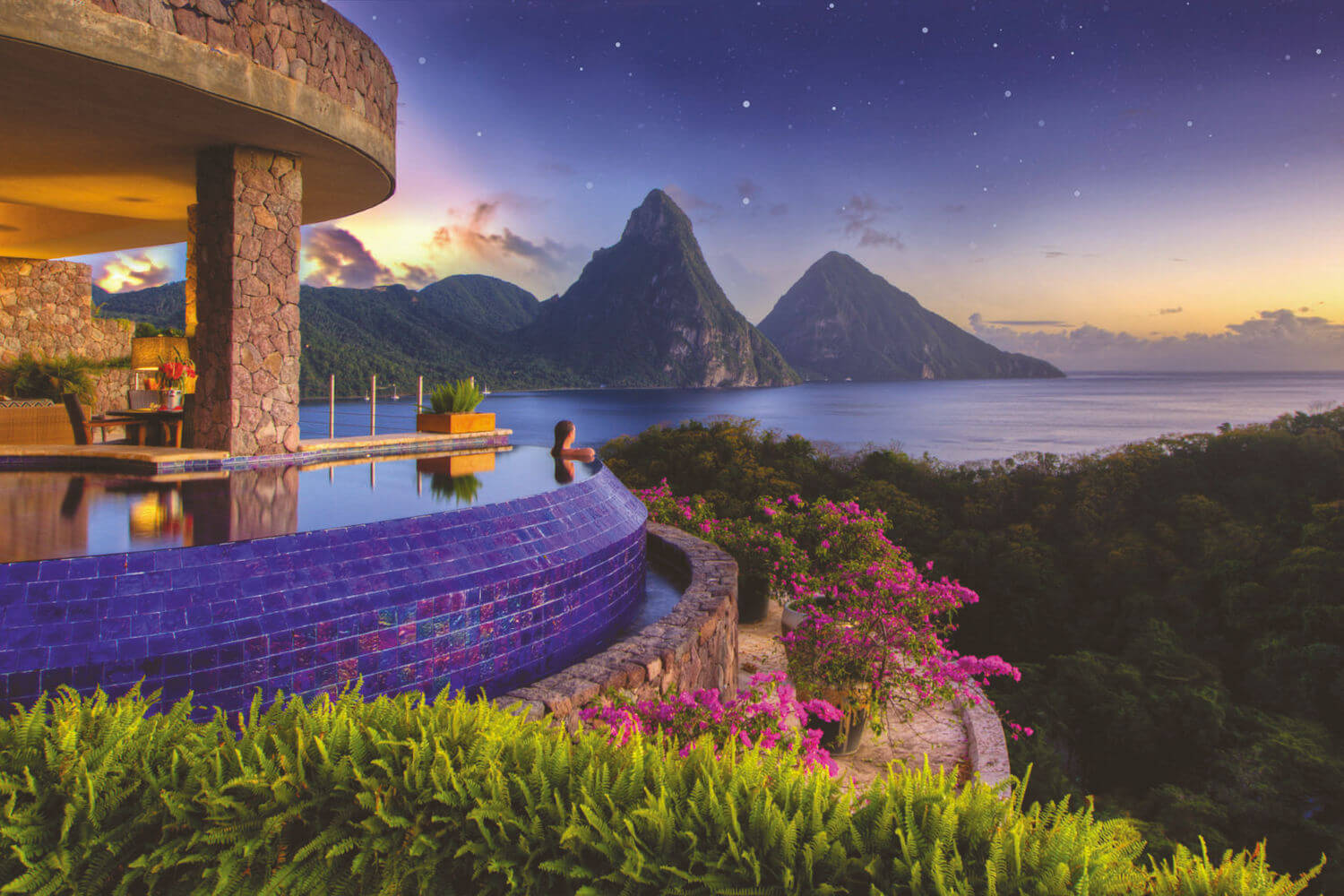 infinity pool at jade mountain overlooking piton mountains