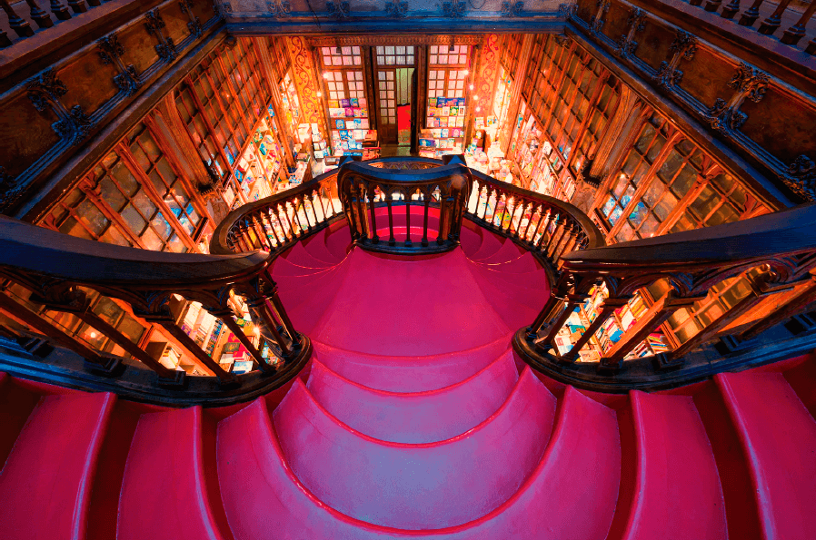 Image courtesy of www.livrarialello.pt