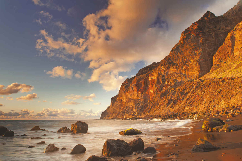 playa del inges, beaches in la gomera