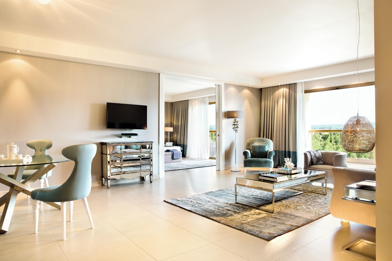 sani beach deluxue family suite
