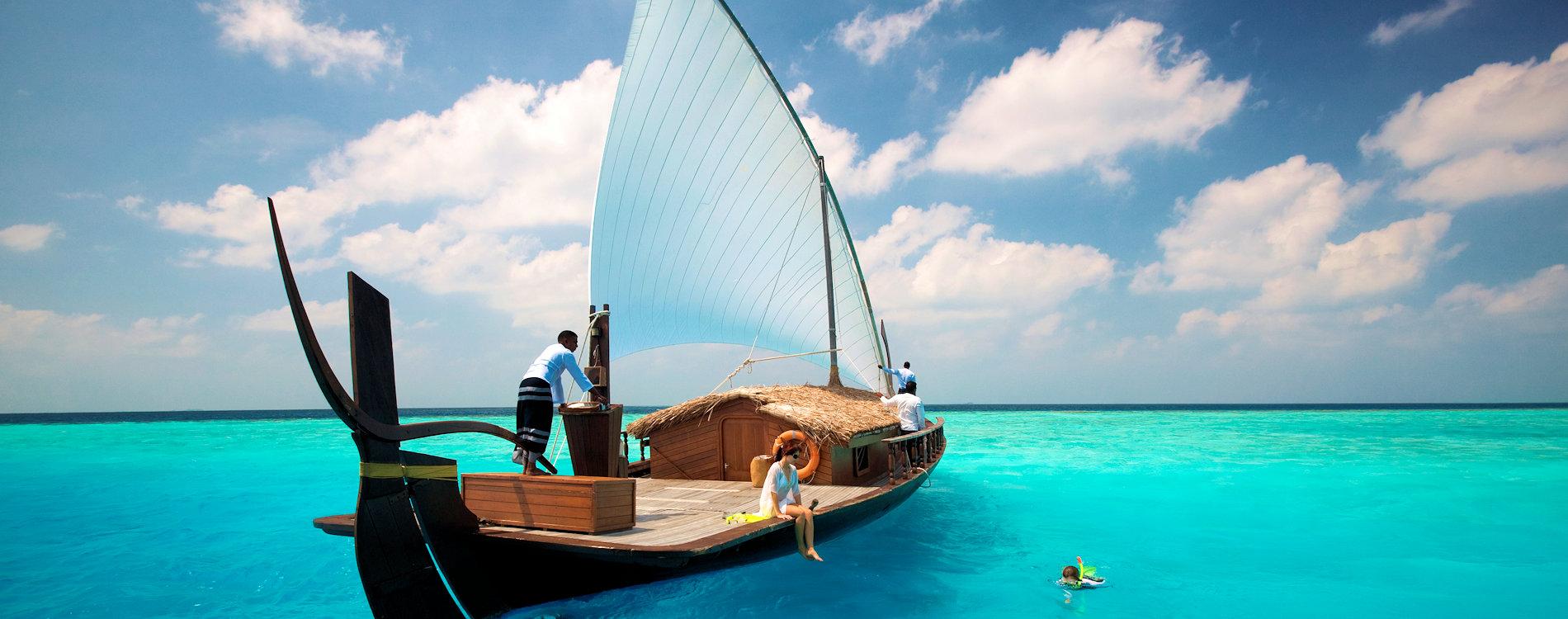 Couple on Nooma boat excursion at Baros Maldives