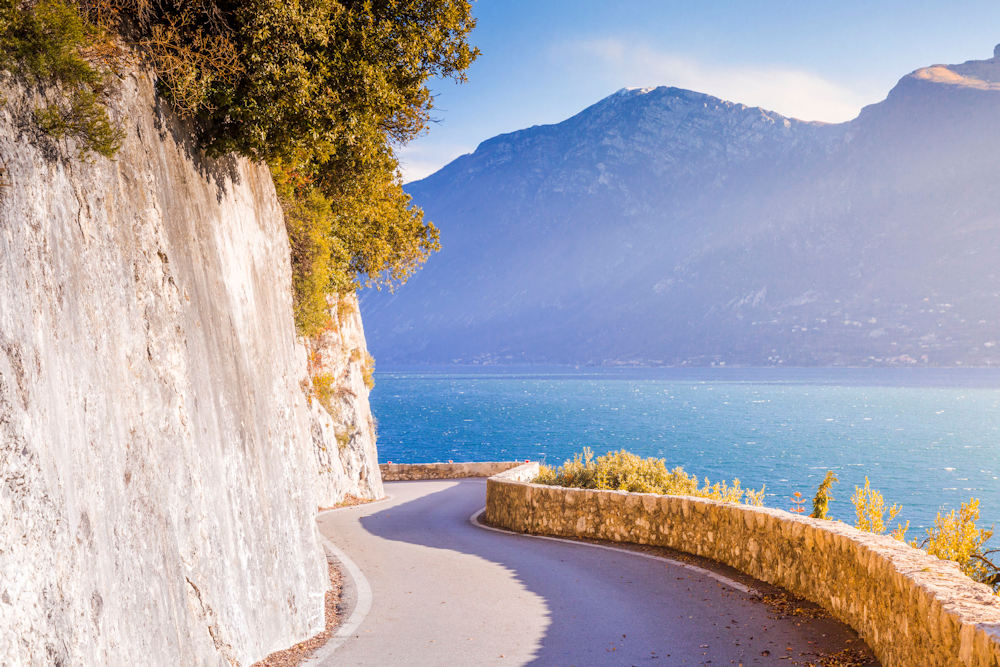 The picturesque Gardesana roads around lake Garda